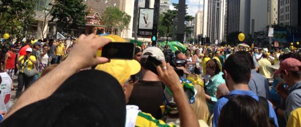 O_povo_na_paulista
